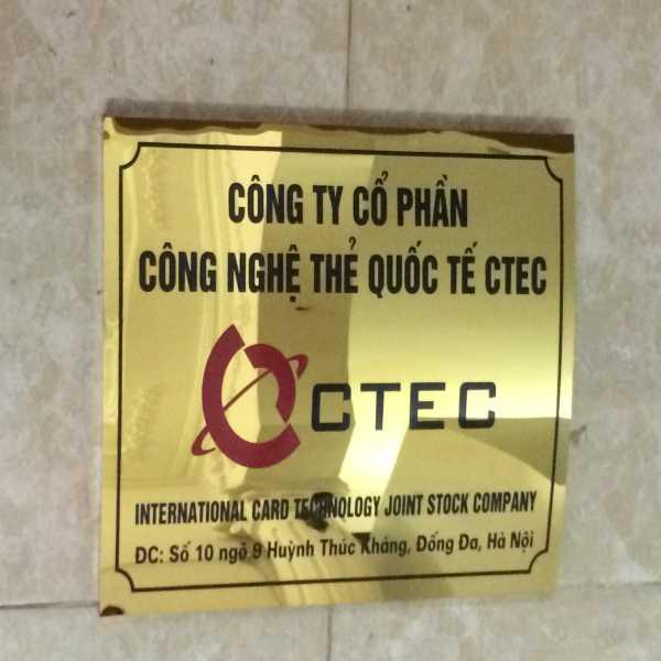 Làm biển công ty CTEC bằng inox gương vàng