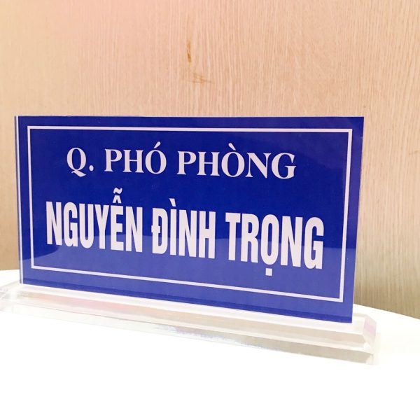 biển chức danh mica trong suốt