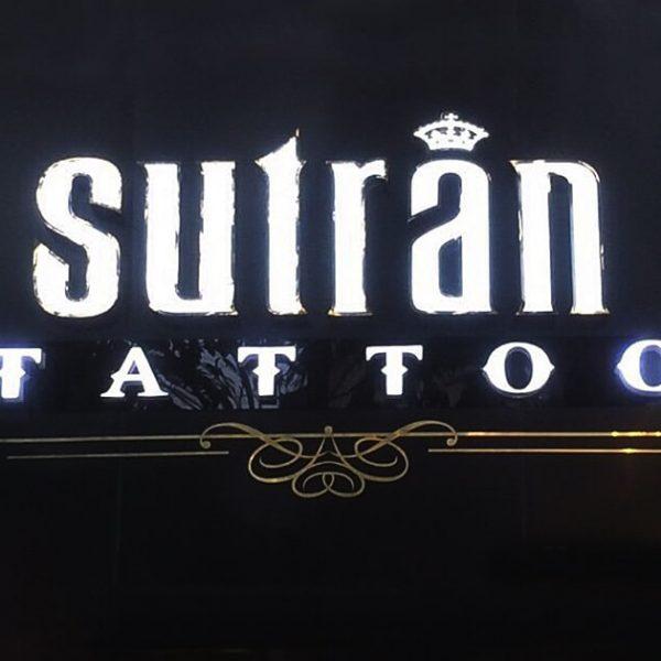 Biển quảng cáo hiệu xăm sutran tatoo