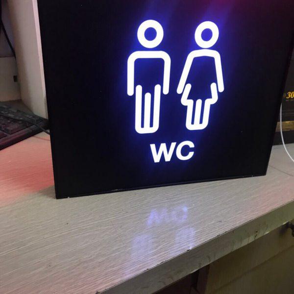Biển quảng cáo hộp đèn mica