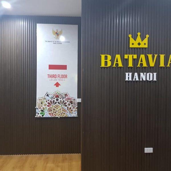 Biển lam nhựa chữ nổi Batavia Hà Nội