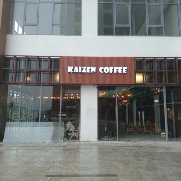 Biển lam nhựa chữ nổi Kaizen Coffee