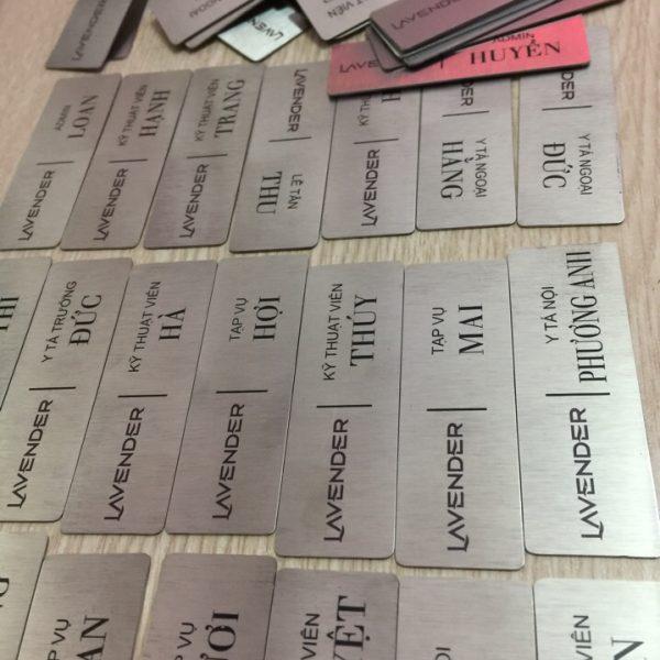 Thẻ tên nhân viên bằng inox khắc ăn mòn