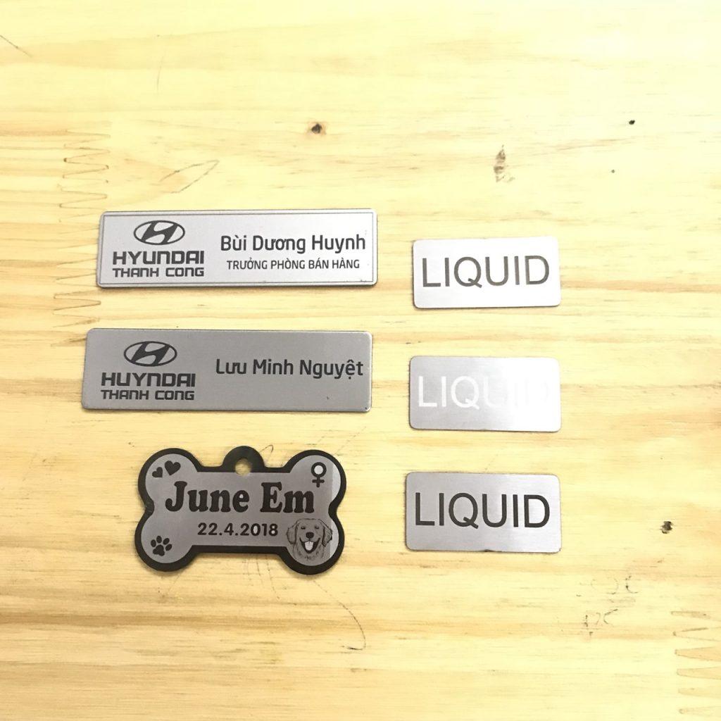 Thẻ tên nhân viên khắc laser